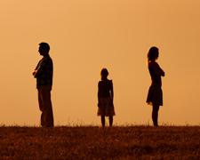 30 évesen egyedül maradtam 2 gyerekkel - Csajok és Pasik Blog