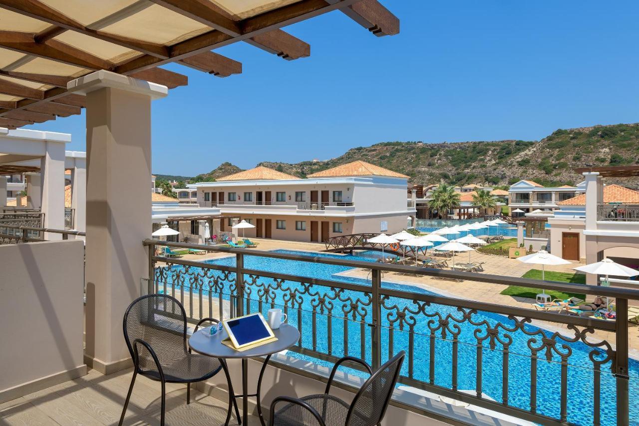 pillangó zeugma luxus medence lakosztály a széklet férgekre váltása