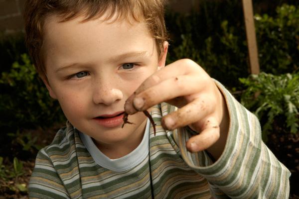 paraziták kezelése tünetekkel küzdő gyermekeknél)
