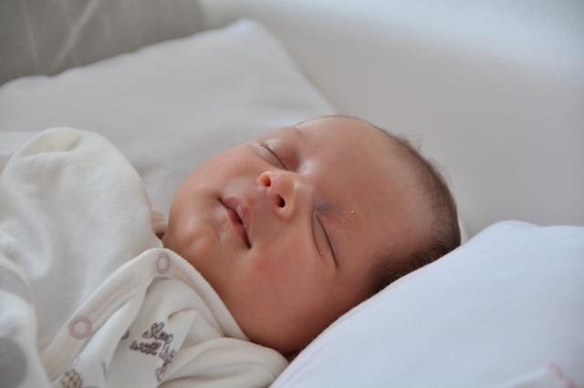 lihegő baba, mint
